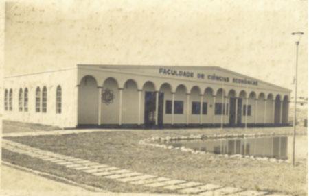 Fachada da Faculdade de Ciências Econômicas – 1969