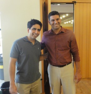 Prof. Dr. Silvio Carvalho Neto com Salman Khan, da Khan Academy