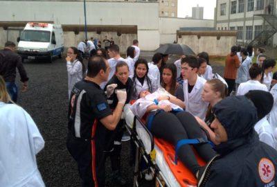 Dia de simulação realística movimenta Enfermagem e Medicina, no Uni-FACEF