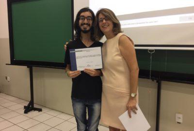 Letras entrega certificados da Reitoria a estudantes que se destacaram