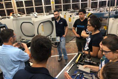 Estudantes de Engenharia de Produção visitam Senai