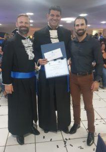 CRA entrega premiação para docente e formanda de Administração