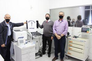 Faculdade de Direito de Franca doa equipamentos para o curso de Medicina, do Uni-FACEF