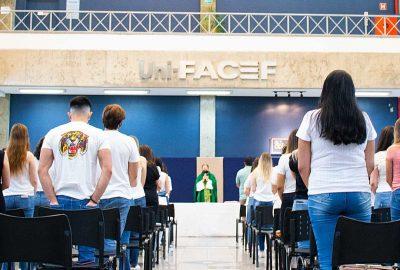 Uni-FACEF celebra missa em memória de estudante